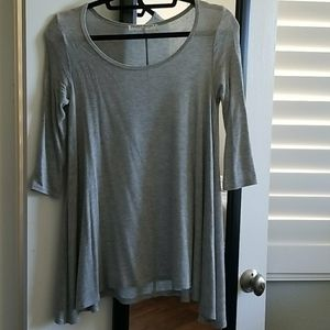 quarter sleeve light gray top